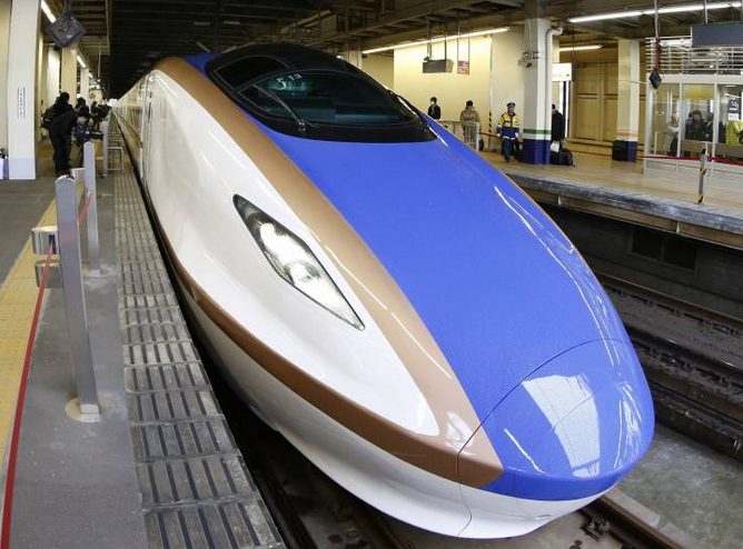 Hokuriku(北陸) Shinkansen (Bullet Train)